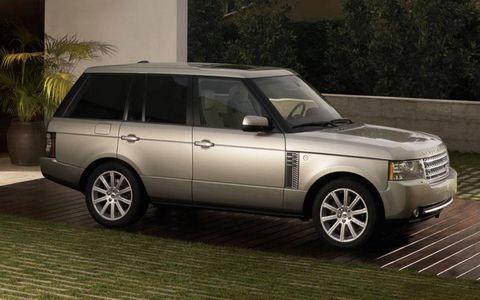 Tire, Wheel, Automotive design, Automotive tire, Vehicle, Land vehicle, Automotive parking light, Rim, Car, Glass,