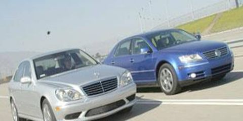 Tire, Wheel, Motor vehicle, Mode of transport, Automotive design, Transport, Vehicle, Hood, Land vehicle, Automotive parking light,