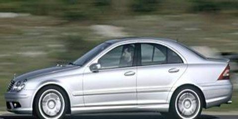Tire, Wheel, Mode of transport, Automotive design, Alloy wheel, Spoke, Vehicle, Automotive tire, Rim, Automotive wheel system,
