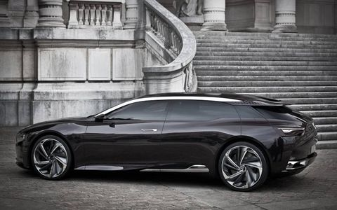 Tire, Wheel, Stairs, Automotive design, Alloy wheel, Vehicle, Rim, Car, Performance car, Automotive exterior,