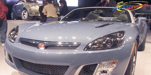 Tire, Wheel, Automotive design, Vehicle, Land vehicle, Event, Headlamp, Car, Automotive lighting, Personal luxury car,