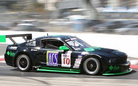 Tire, Wheel, Automotive design, Vehicle, Sports car racing, Motorsport, Alloy wheel, Car, Rim, Performance car,