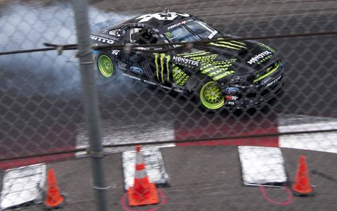 Vaughn Gittin Jr. placed second in a narrow battle against Yoshihara.