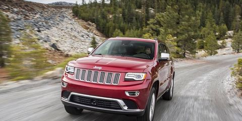 The 2014 Jeep Grand Cherokee diesel uses a 3.0-liter turbodiesel V6 that cranks out 240 hp and 420 lb-ft of torque.