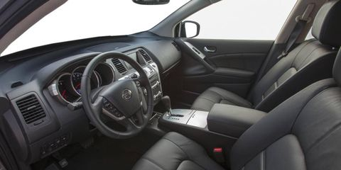 With the additional navigation package, the 2013 Nissan Murano SL gains a 7-inch touchscreen and many other amenities.