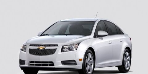The 2014 Chevy Cruze diesel gets 46 mpg on the highway, with a fuel tank capacity of about 15 gallons. It range is 700 miles.