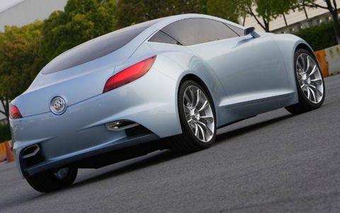 Tire, Wheel, Mode of transport, Automotive design, Vehicle, Land vehicle, Car, Personal luxury car, Rim, Fender,