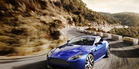 Tire, Wheel, Automotive design, Vehicle, Land vehicle, Road, Rim, Car, Headlamp, Fender,