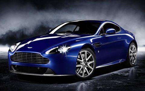 Tire, Automotive design, Mode of transport, Product, Rim, Automotive tire, Car, Alloy wheel, Personal luxury car, Luxury vehicle,