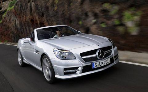 Mode of transport, Automotive design, Vehicle, Road, Transport, Hood, Automotive mirror, Mercedes-benz, Car, Grille,