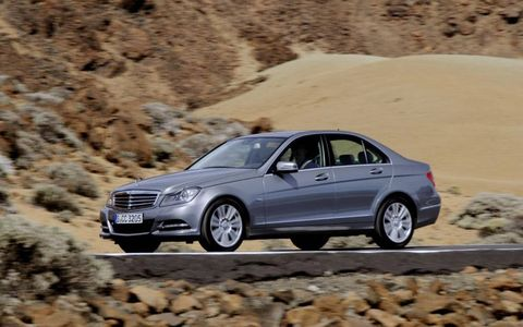 Tire, Wheel, Automotive design, Vehicle, Land vehicle, Alloy wheel, Car, Rim, Spoke, Landscape,