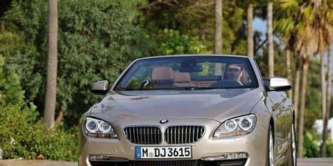 Motor vehicle, Mode of transport, Automotive design, Automotive mirror, Vehicle, Vehicle registration plate, Infrastructure, Car, Transport, Grille,