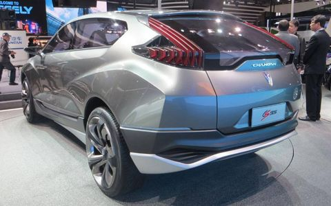 The CS95 uses a 246 hp 3.5-liter V6 and 167 hp electric motor, with drive channeled through an eight-speed automatic gearbox.