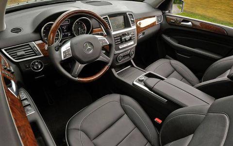 The 2012 Mercedes-Benz ML350 Autofile car review.
