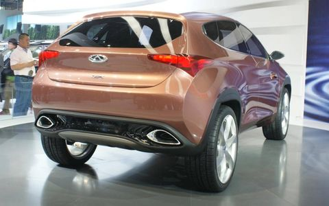 A rear view of the Chery TX crossover.
