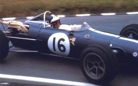 Bob Bondurant racing a 1966 AAR.
