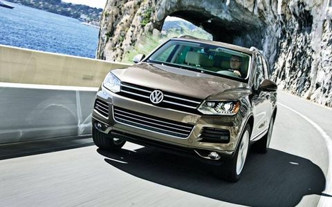 A front view of the 2012 Volkswagen Touareg TDI LUX.