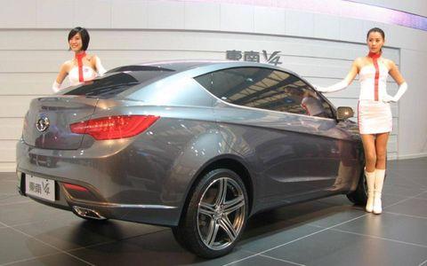 Tire, Wheel, Automotive design, Mode of transport, Vehicle, Land vehicle, Car, Personal luxury car, Luxury vehicle, Mid-size car,