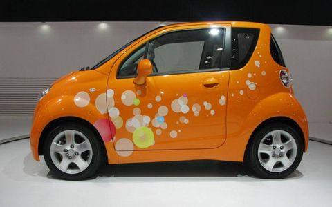 Tire, Motor vehicle, Wheel, Mode of transport, Automotive design, Vehicle, Automotive wheel system, Vehicle door, Car, Fender,