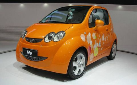 Motor vehicle, Tire, Wheel, Mode of transport, Automotive design, Automotive mirror, Vehicle, Yellow, Transport, Land vehicle,