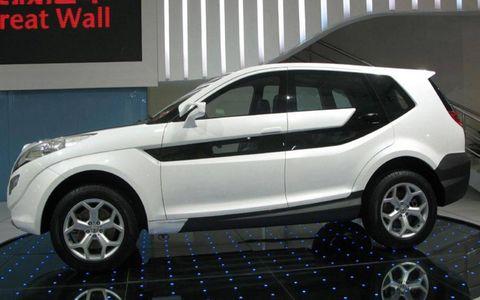 Tire, Motor vehicle, Wheel, Automotive design, Automotive tire, Alloy wheel, Automotive exterior, Product, Automotive wheel system, Vehicle,