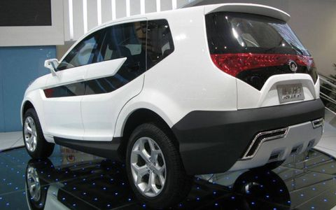 Motor vehicle, Tire, Automotive design, Vehicle, Product, Automotive tire, Automotive exterior, Land vehicle, Car, Automotive wheel system,