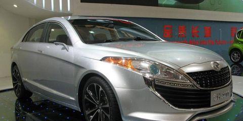 Tire, Wheel, Automotive design, Vehicle, Land vehicle, Event, Car, Automotive lighting, Glass, Headlamp,