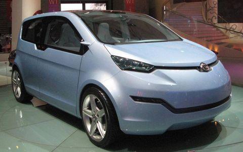 Motor vehicle, Tire, Wheel, Automotive mirror, Mode of transport, Automotive design, Vehicle, Land vehicle, Car, Alloy wheel,