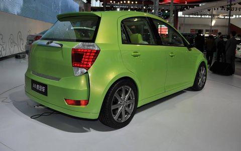 Motor vehicle, Automotive design, Vehicle, Car, Hatchback, Automotive tire, Fender, Rim, Alloy wheel, Bumper,