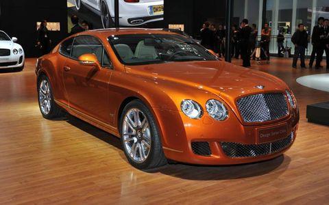 Tire, Motor vehicle, Wheel, Automotive design, Vehicle, Land vehicle, Automotive lighting, Car, Grille, Rim,