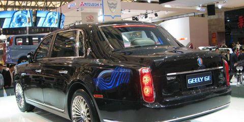 Tire, Wheel, Vehicle, Automotive design, Land vehicle, Car, Personal luxury car, Luxury vehicle, Full-size car, Automotive lighting,