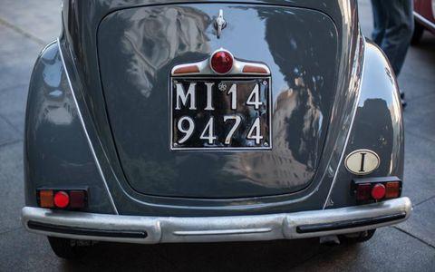 Motor vehicle, Vehicle, Classic car, Trunk, Car, Antique car, Automotive exterior, Fender, Classic, Vehicle registration plate,