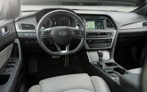 The 2016 Hyundai Sonata 2.0T midsize sedan