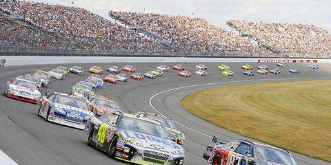 Vehicle, Race track, Motorsport, Land vehicle, Sport venue, Car, Racing, Sports car racing, Touring car racing, Auto racing,