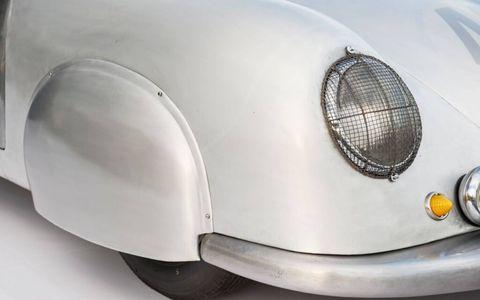 A detail of the 356 SL.1959 Devin D Porsche Roadster