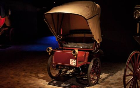 Not a flat six or a flat four, the Bernardi 3,5 HP from 1896 featured a flat one-cylinder engine. And check out the saucy bonnet it's wearing!