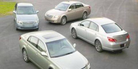 Motor vehicle, Tire, Wheel, Mode of transport, Automotive design, Land vehicle, Automotive mirror, Vehicle, Transport, Alloy wheel,