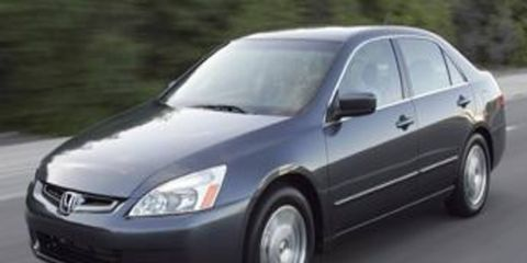 Tire, Motor vehicle, Wheel, Nature, Mode of transport, Automotive mirror, Daytime, Automotive tire, Vehicle, Transport,