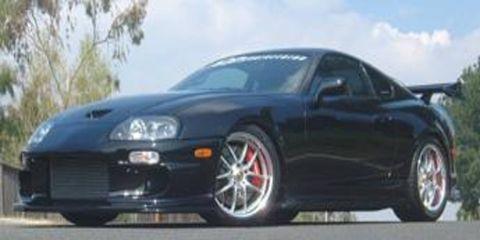 Tire, Mode of transport, Nature, Automotive design, Daytime, Vehicle, Automotive lighting, Land vehicle, Hood, Rim,
