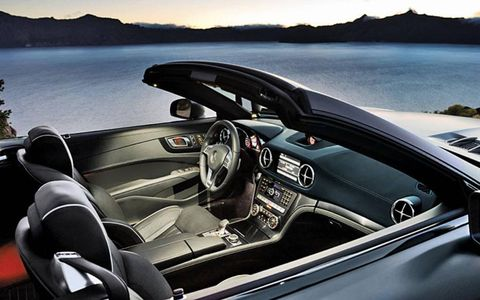 The thoroughly redesigned SL550 arrives in the United States this spring with obvious changes inside and out.