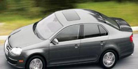 Tire, Wheel, Motor vehicle, Mode of transport, Automotive design, Vehicle, Automotive tire, Land vehicle, Alloy wheel, Car,