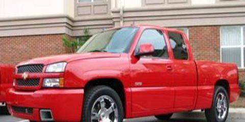 Tire, Wheel, Motor vehicle, Automotive mirror, Automotive tire, Vehicle, Automotive design, Land vehicle, Window, Automotive parking light,