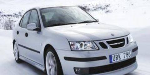 Automotive mirror, Automotive design, Daytime, Vehicle, Product, Land vehicle, Hood, Glass, Car, Transport,