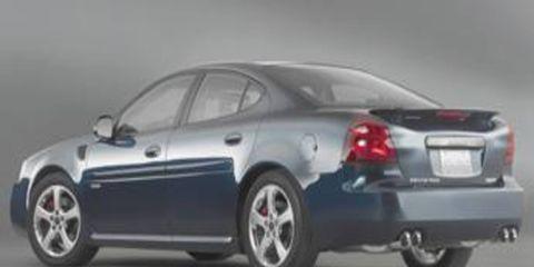 Tire, Wheel, Mode of transport, Automotive design, Vehicle, Car, Rim, Alloy wheel, Full-size car, Automotive tire,