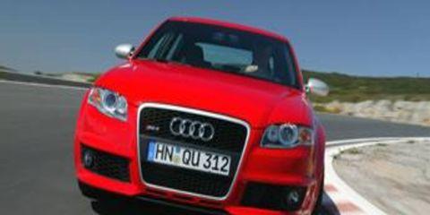 Motor vehicle, Road, Mode of transport, Automotive design, Automotive mirror, Product, Transport, Vehicle, Automotive lighting, Headlamp,