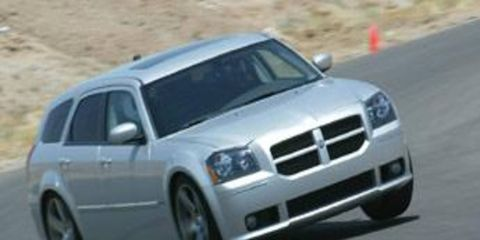 Tire, Motor vehicle, Wheel, Mode of transport, Automotive design, Transport, Vehicle, Land vehicle, Automotive tire, Hood,