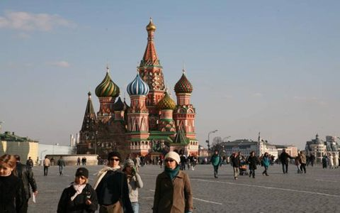 People, Architecture, Tourism, Public space, City, Landmark, Finial, Spire, Travel, Temple,
