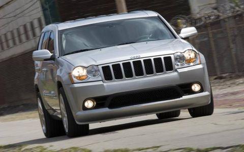 Tire, Motor vehicle, Automotive exterior, Automotive design, Automotive mirror, Vehicle, Automotive tire, Automotive lighting, Hood, Headlamp,