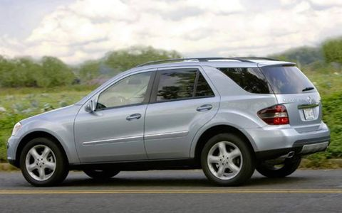 Tire, Wheel, Vehicle, Automotive design, Automotive tire, Alloy wheel, Rim, Car, Spoke, Automotive mirror,