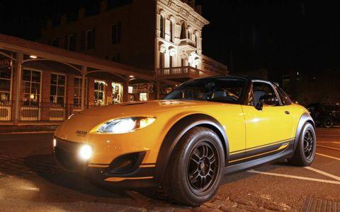 Tire, Wheel, Automotive design, Automotive lighting, Vehicle, Yellow, Headlamp, Window, Hood, Land vehicle,